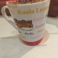 Photo taken at Kenny Rogers Roasters (KRR) by Cik M. on 10/24/2015