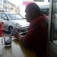 Photo taken at Kedai Kopi Soon Hin Leong by Charles C. on 1/17/2013