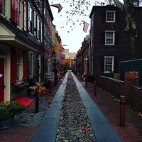 Photo taken at Elfreth's Alley Museum by Jeff K. on 11/7/2015