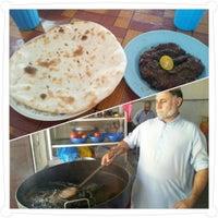 Photo taken at Pakistan restaurant (Sebelah Masjid Pakistan) by Petah Wazzan I. on 5/18/2013