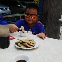 Photo taken at Pempek Candy by Dhikie H. on 4/14/2015