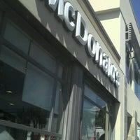 Photo taken at McDonald's by Alfredo Omar L. on 12/28/2012