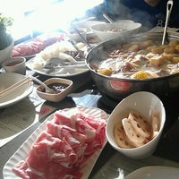 Photo taken at Little Sheep Mongolian Hot Pot by Yun T. on 7/9/2013