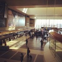 Photo taken at Tom Bradley International Terminal (TBIT) by Chummy on 2/24/2013