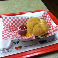 Photo taken at Roy Rogers / Nathan's by Damian C. on 1/4/2013