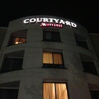 Photo taken at Courtyard Hartford Farmington by Imran S. on 6/3/2013