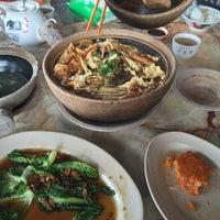 Photo taken at Kiang Kee Bak Kut Teh 强记肉骨茶 by Vernis B. on 7/9/2016