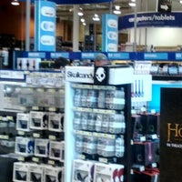 Photo taken at Best Buy by LiLi C. on 11/26/2012