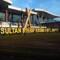 Photo taken at Sultan Syarif Kasim II International Airport (PKU) by Romi K. on 5/10/2013