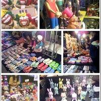 Photo taken at Chiangmai Walking Street by แมลง น. on 1/13/2013