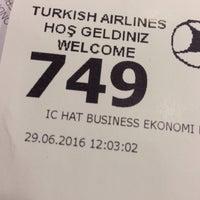 Photo taken at THY Satış Ofisi by İsa Ü. on 6/29/2016