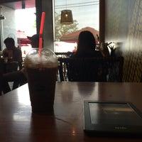Photo taken at Highlands Coffee by Kien N. on 4/7/2016