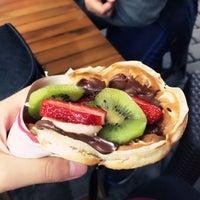 Foto tomada en Waffle Memet por Elif K. el 9/30/2015