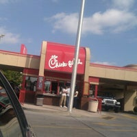 Photo taken at Chick-fil-A by Tim Hobart M. on 9/22/2012