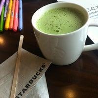 Photo taken at Starbucks by Looktanz T. on 10/14/2012