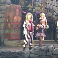 Photo taken at Beetlejuice's Graveyard MashUp by Bianca R. on 6/3/2013