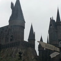 Photo taken at The Wizarding World Of Harry Potter - Hogsmeade by Fernanda C. on 1/18/2013