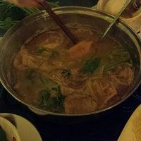 Photo taken at Nhà hàng lẩu Soa Soa by Andy N. on 8/24/2014