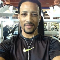 Photo taken at 24 Hour Fitness by DaRonn W. on 5/31/2015