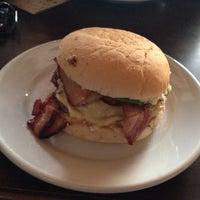 Photo taken at Pampa Burger by Gabriel B. on 5/24/2013