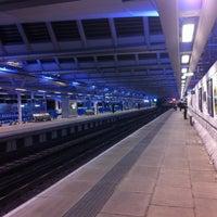 Photo taken at London Blackfriars Railway Station (BFR) by Rhammel A. on 9/27/2012