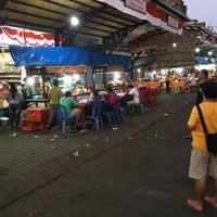 Photo taken at Pasar Senggol Gianyar by Riza P. on 8/19/2016