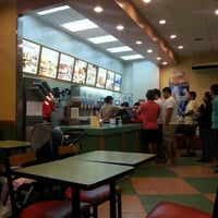 Photo taken at Wendy's by Marie V. on 11/24/2012