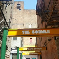 Photo taken at Corner Mall Foodcourt by Ben Goméz R. on 7/3/2016