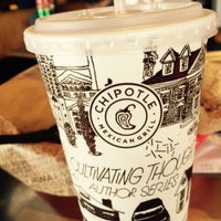 Photo taken at Chipotle Mexican Grill by Lucyana F. on 5/30/2015