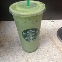 Photo taken at Starbucks by Viancs' G. on 2/9/2014