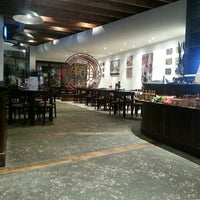 Photo taken at Nando's by Milan M. on 6/18/2013