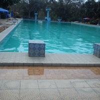 Photo taken at Tirta Wiguna Swimming Pool by Oki Prama B. on 8/19/2013