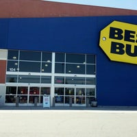 Photo taken at Best Buy by Stan B. on 7/19/2012
