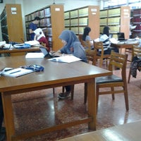 Photo taken at Perpustakaan Pusat UB by Dian V. on 3/26/2013