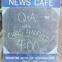 Photo taken at Winnipeg Free Press News Café by Aldreich A. on 11/13/2013