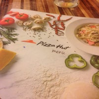 Photo taken at Pizza Hut by N.Amira🌸 on 7/25/2016