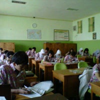 Photo taken at SMA Negeri 2 Kediri by Nikmah N. on 10/24/2012