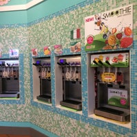 Photo taken at Sweet Frog by Lulú D. on 7/10/2015