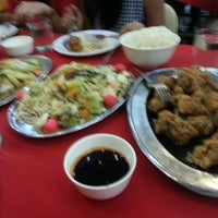 Photo taken at Silver Crown Restaurant by Yam P. on 11/18/2012