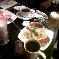 Photo taken at Kedai Kopi Espresso Bar by Nona A. on 3/5/2014