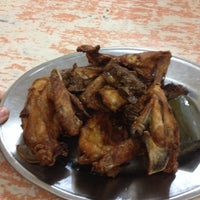 Photo taken at Ayam Goreng Nikmat (Panaitan) by fel l. on 6/7/2014