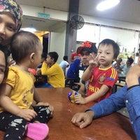 Photo taken at Medan Selera Taman Pinggiran Batu Caves by Mazshaffiqah M. on 11/9/2015
