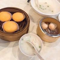 Photo taken at Restoran Tom's Dim Sum by Yanyue T. on 6/26/2016
