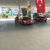 Photo taken at Shell by Hüseyin Şenel on 8/3/2016