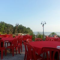 Photo taken at Restaurant Asam Batu Laut, Tg Sepat by Cindrew G. on 3/9/2013