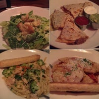 Photo taken at Uno Pizzeria & Grill - Forest Hills by Kimmie O. on 3/30/2013