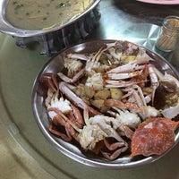 Photo taken at Batu 8 Kapar Seafood by Hanvy M. on 1/1/2016