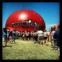 Photo taken at Bonnaroo Music & Arts Festival by Leslie I. on 6/14/2013