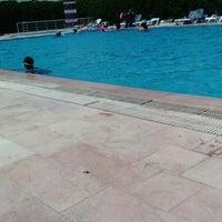 Photo taken at Entur Termal Otel Acik Havuz by Betül Y. on 7/8/2016