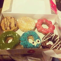 Photo taken at Dunkin' Donuts by Aya C. on 8/4/2016